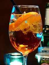 https://upload.wikimedia.org/wikipedia/commons/thumb/5/59/Aperol_Spritz_2014a.jpg/170px-Aperol_Spritz_2014a.jpg