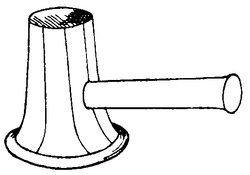 Line drawing of a beating hammer - a hammer with a spreading, funnel-shaped striking surface