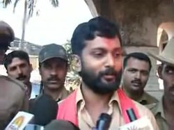 File:Attack on Mangalore Pub Sena State Convener Prasad Attavar speaks.ogv