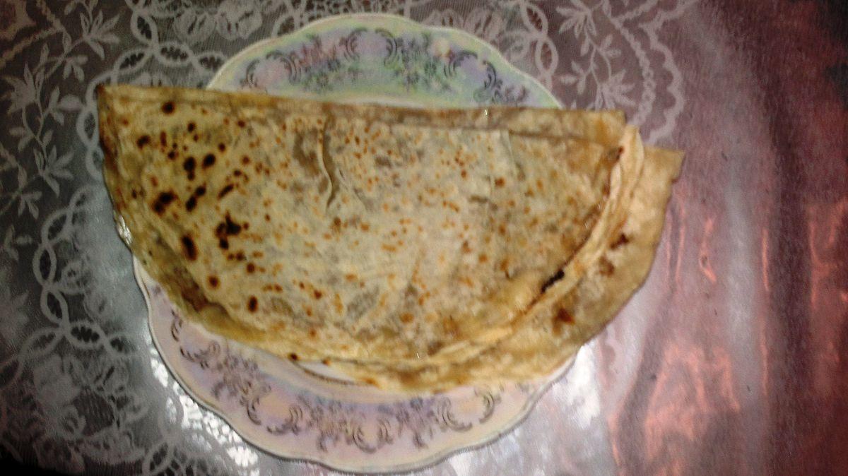 Azerbaijani national dish Qutab.jpg