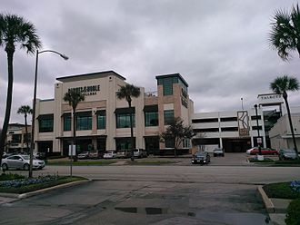 River Oaks Shopping Center - The Barnes & Noble that was the subject of controversy