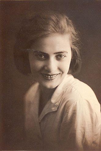 Ljuba Welitsch - Welitsch in the 1930s