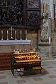Bamberg, Dom, Opferkerzen vor Veit Stoss Altar-002.jpg