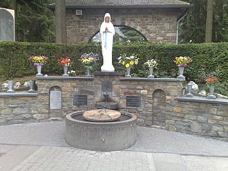 Our Lady of Banneux - Image: Banneux Maagd der armen