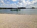 Bateau transporteur sur le Lac des Eaux Bleues (depuis la plage du Morlet).JPG