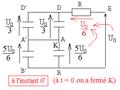 Batterie de condensateurs soumis à échelon de tension - penta.png