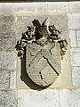 Belloy-Saint-Léonard, château, pilier d'entrée.jpg