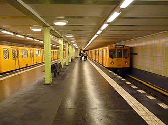 Kurfürstenstraße (Berlin U-Bahn) - Image: Berlin Kurfürstenstraße U1 platforms
