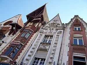 Béthune - Image: Bethune Grand Place 1