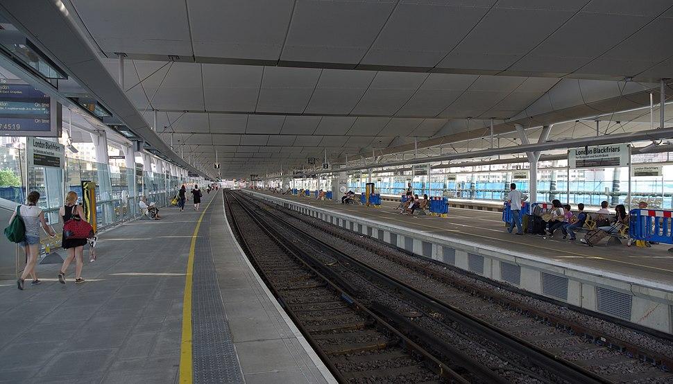 Blackfriars station MMB 19
