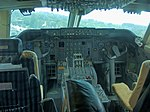 Boeing 747 Cockpit (37049773794).jpg