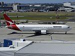 Boeing 767-338-ER, Qantas AN0432776.jpg