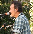 Bruce Springsteen for Obama on the Parkway (2914792540).jpg