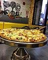 Bulevar de Sabana Grande Pizzeria Va Bene pizza.jpg