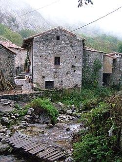 Bulnes Asturies.jpg
