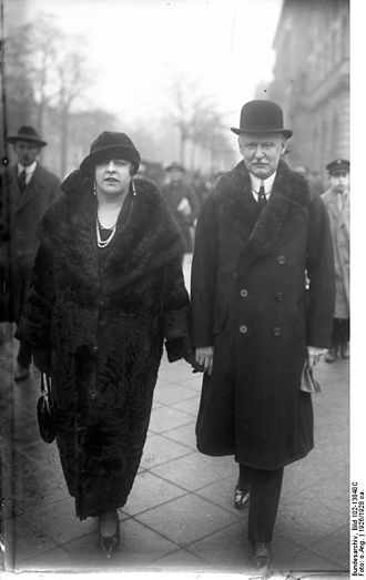 Falkensee -  Louis Adlon with his wife 1926