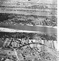 Bundesarchiv Bild 195-2244, Rheinbefliegung, Istein.jpg