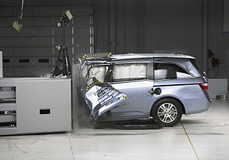 Crash test - Frontal small-overlap crash test of a 2012 Honda Odyssey.