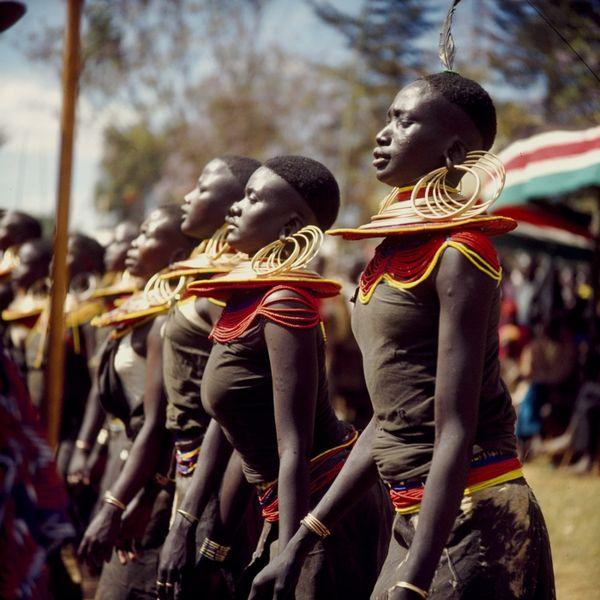 File:COLLECTIE TROPENMUSEUM Pokot vrouwen dansen tijdens de feestelijkheden ter gelegenheid van tien jaar onafhankelijkheid van Kenya TMnr 20038877.jpg