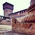 Castello Sforzesco tra decorazioni e torri.jpg