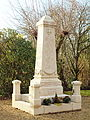 Certines-FR-01-bourg-monument aux morts-2.jpg