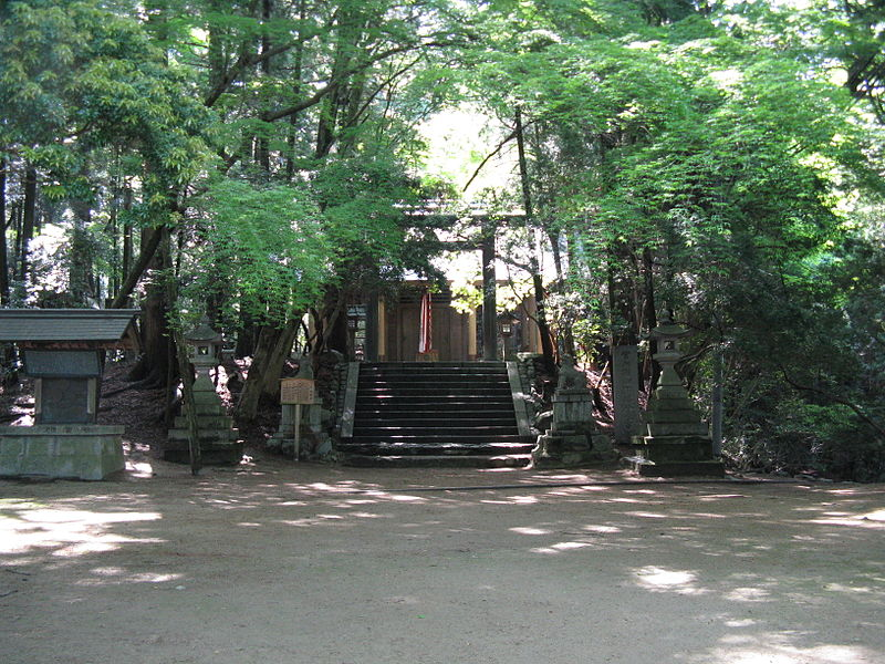 File:Chihaya-jinja1.jpg