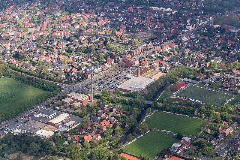 "File:Coesfeld, Gewerbegebiet ""Am Berkelbogen"" und DJK-Sportgelände -- 2014 -- 7649.jpg"