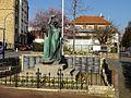 Cormeilles-en-Parisis (95), monument aux morts, av. de la Libération - av. du général Leclerc.JPG
