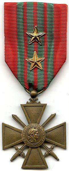 Fichier:Croix de Guerre 1939 France AVERS.jpg
