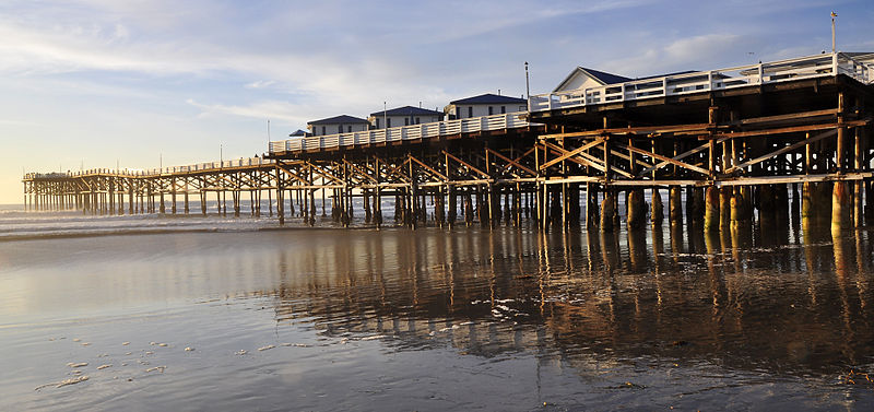 File:Crystal Pier.jpg