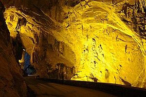 Español: La Cuevona, Cuevas del Agua, Asturias...