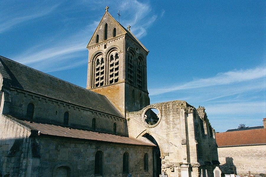 """Eglise du XIIème siècle à Cuiry-Housse, Aisne, Picardie, France (N49°17'43,37"""" E3°29'31,35"""")"""