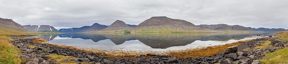 Panoramski pogled na Dýrafjörður, Vestfirðir na Islandu