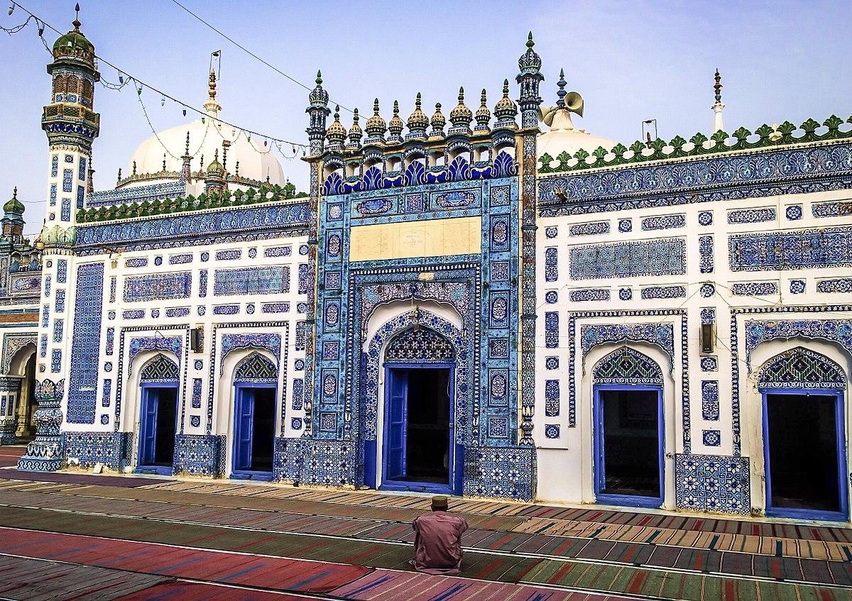 Essay on shah abdul latif bhitai in sindhi