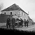 De bevolking van Roermond keert terug naar huis, Bestanddeelnr 900-2265.jpg
