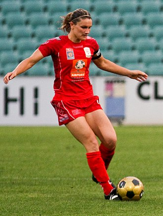 Dianne Alagich - Alagich playing for Adelaide United in 2008