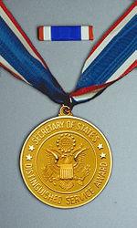 DoS Distinguished Service Award Medal Set.jpg