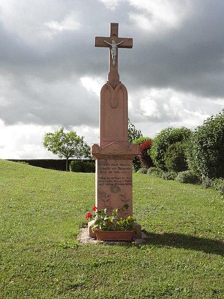 Dolving (Moselle) croix de chemin