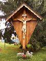 Doppler-Klinik - Kruzifix bei Kirche.jpg