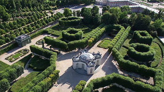 File:Drone Photography of Versailles - Lionel Allorge.webm