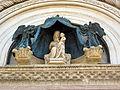 Duomo di orvieto, facciata, madonna col bambino e angeli del 1325 (copia).JPG