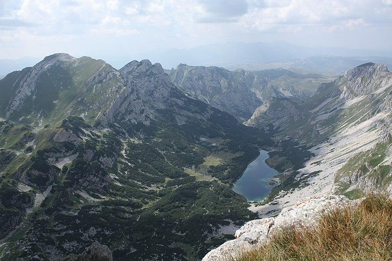 File:Durmitor - Škrčko jezero.jpg