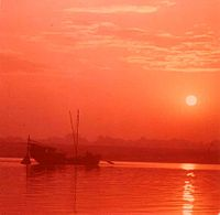 La spiritualité c'est quoi... dans SPIRITUALITE c'est quoi ? 200px-Early_morning_on_the_Ganges