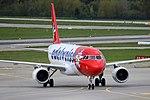 Edelweiss Air Airbus A320-214 HB-IHZ (29985411003).jpg