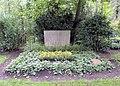Ehrengrab Potsdamer Chaussee 75 (Niko) Paul Hertz.jpg