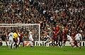 El gol colandose por la barrera (5098201770).jpg