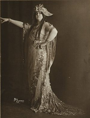 Eleonora de Cisneros - Eleonora de Cisneros, circa 1911