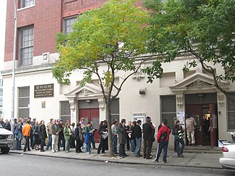 2008 United States presidential election in New York - Voters lined-up outside a polling station in Hell's Kitchen, Manhattan