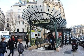 Châtelet (Paris Métro) - Image: Entrée Métro Châtelet place Ste Opportune Paris 3
