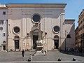 Fassade von Santa Maria sopra Minerva, Obelisk und Berninis Elefant.jpg